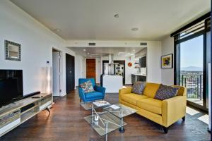 A seating area at Condo in Downtown PHX