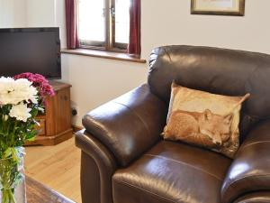 A seating area at Fox Cottage