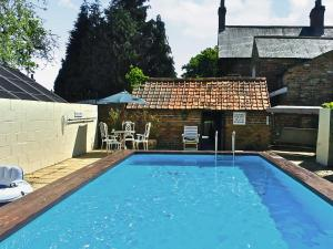 The swimming pool at or near Tommies Cottage