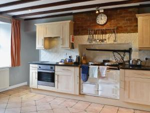 A kitchen or kitchenette at Westerpark
