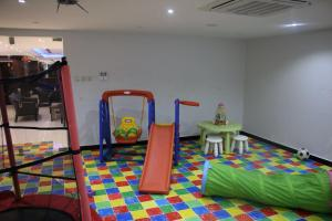 The fitness center and/or fitness facilities at Al Jowder Suits