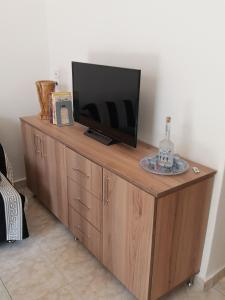 A television and/or entertainment centre at Brigitte house