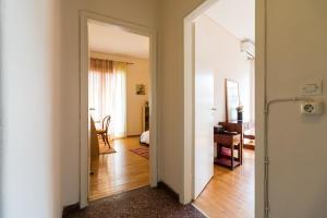 A bathroom at Two-Bedroom Apartment -Kallirrois Athens