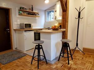 A kitchen or kitchenette at Apartment ModernAttic