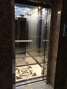 حمام في وصايف أبها للأجنة الفندقية