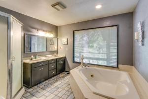 Kúpeľňa v ubytovaní Azalea Breeze