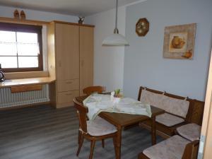 Ein Restaurant oder anderes Speiselokal in der Unterkunft Haus Maria