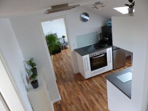 Kuchyň nebo kuchyňský kout v ubytování Schöne komplette Ferienwohnung in Wesel