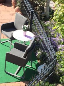 Ein Balkon oder eine Terrasse in der Unterkunft petite maison