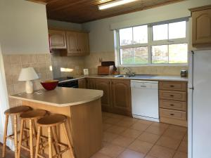 A kitchen or kitchenette at Downings Coastguard Cottages - Type A