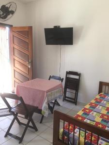 Uma TV ou centro de entretenimento em Residencial Villa Nova