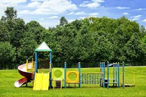 Sân chơi trẻ em tại Vietnam Golf - Lake View Villas