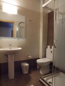 A bathroom at Villa Niki
