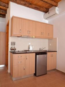 A kitchen or kitchenette at Villa Niki