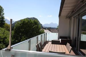 Ein Balkon oder eine Terrasse in der Unterkunft Sky View Salzburg