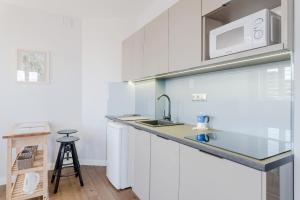 Küche/Küchenzeile in der Unterkunft Top of the city Apartment