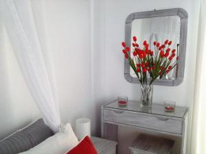 A bathroom at Kiklamino Studios & Apartments