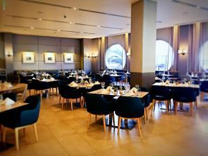 Restoranas ar kita vieta pavalgyti apgyvendinimo įstaigoje Luxury 5 Star Surfers Paradise Residences