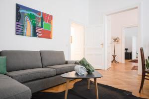 Ein Sitzbereich in der Unterkunft GRAND SOHO II Apartment Vienna