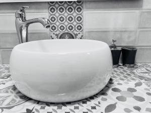 A bathroom at Apartamentos La Palma