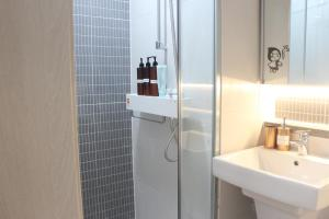 ห้องน้ำของ Hongdae novellia Gini residence