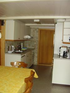 Küche/Küchenzeile in der Unterkunft Seeli