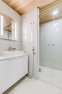 A bathroom at Helsinki Homes Apartments