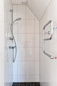 A bathroom at Boende Visby