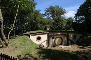 A garden outside Pod Hollow: Hobbit Home