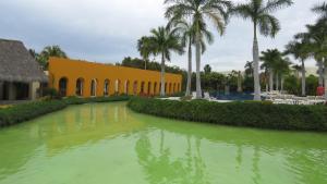 The swimming pool at or near Condo Taheima in Nuevo Vallarta