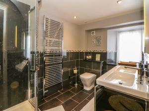 A bathroom at Haven Indah, Montrose