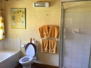 A bathroom at Marigold's 37 Critchley Common