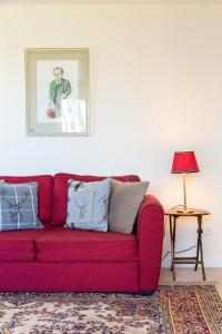 A seating area at Scottish Stays - The Artworks 2 Bedroom Apartment
