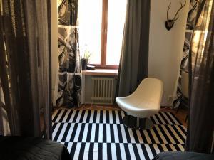 Зона вітальні в Cozy studio in Helsinki City Center