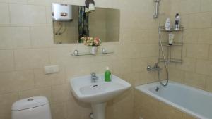 Ванная комната в Apartments on Krasnaya