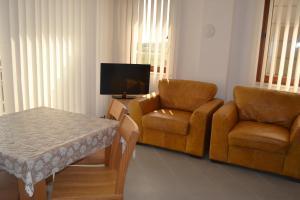 A seating area at Seagarden Villa Resort