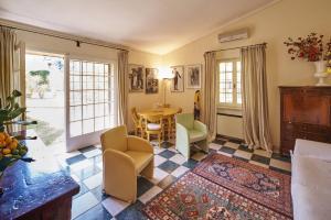 אזור ישיבה ב-Cottage del Limone