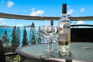 Drinks at Malibu Apartments