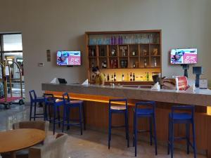 The lounge or bar area at NOB1804 Excelente Flat em Boa Viagem com 2 quartos