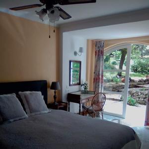 Un ou plusieurs lits dans un hébergement de l'établissement Domaine du Bois d'Amont