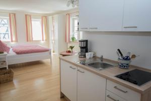Küche/Küchenzeile in der Unterkunft Feldmann-Schütte