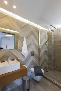 Ванная комната в Dimamiel Malia Inn