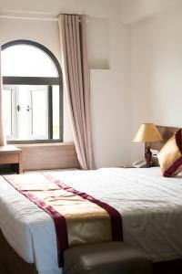 Golden Almie Hotel
