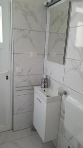 Un baño de Apartmani Lavanda