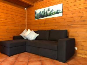 A seating area at Casa das Cercas