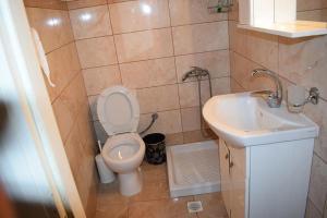 Ένα μπάνιο στο Sofias Home