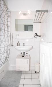 A bathroom at Kleines, feines Apartment in Düsseldorf