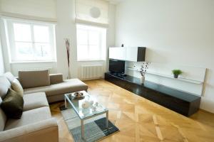 Uma área de estar em Bohemia Apartments Prague Old Town