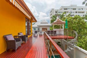 A balcony or terrace at Sunny Villa