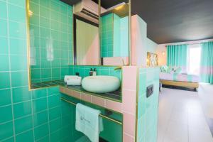 A bathroom at Apartamentos Wi-Ki-Woo